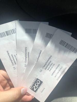 4 zoo tickets free admission. for Sale in Columbus, OH
