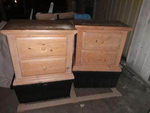 Queen set. 2 nightstands dresser and mirror headboard footboard for Sale in Vero Beach, FL
