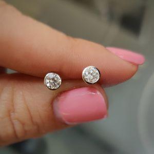 Diamond studs earings for Sale in Miami, FL