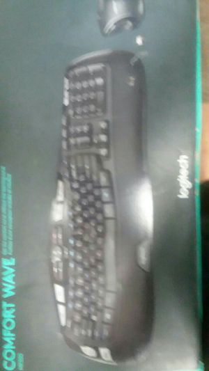 Wireless keyboard and mouse combo for Sale in Houston, TX