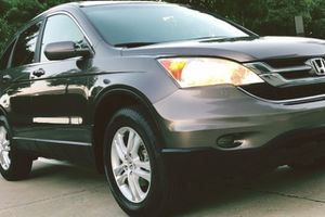 DEPENDABLE 2010 HONDA CR-V EX CLEAR TITLE for Sale in Fort Lauderdale, FL