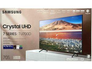 "SAMSUNG 70"" Class 7-Series Crystal Ultra HD 4K Smart TV (UN70TU700DFXZA) for Sale in Gastonia, NC"