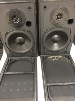 Polk audio speakers book shelf 10-100w for Sale in Smithtown, NY