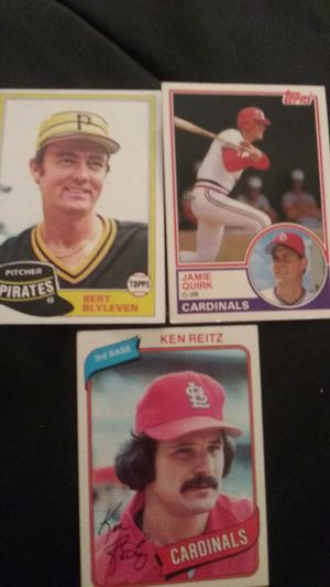 Vintge mix lot of baseball cards for Sale in Concord, CA