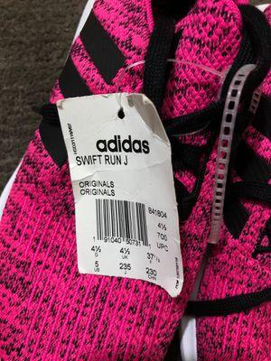 Adidas size 5 for Sale in San Lorenzo, CA