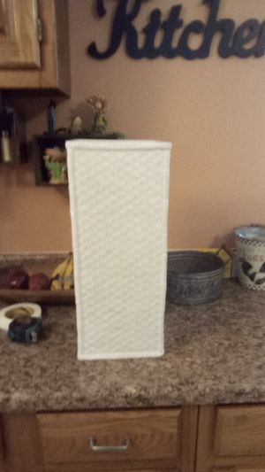 "Ethan Allen 19""x8"" w Vase for Sale in Dayton, OH"