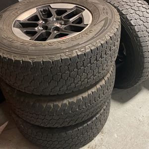 2020 Jeep Wrangler Wheels With Tires for Sale in Hayward, CA