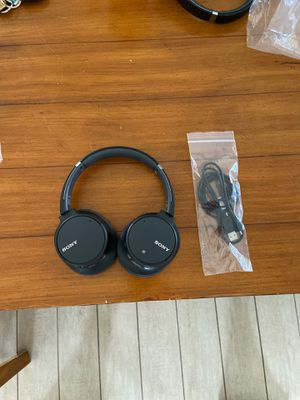 Sony - WH-CH700N Wireless Noise Canceling over the ear headphones - black for Sale in Chandler, AZ