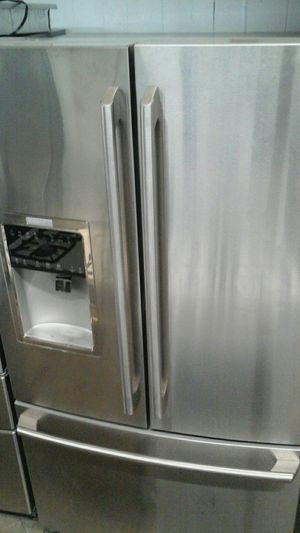Electrolux refrigerator for Sale in Chicago, IL