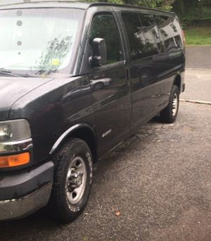 2003 Chevy express 3500 extended 6.0L for Sale in Dix Hills, NY