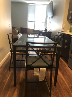 Dining Room Glass Table for Sale in Silver Spring, MD