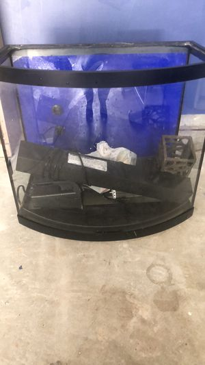 Fish tank 30 gallon for Sale in Clayton, NC