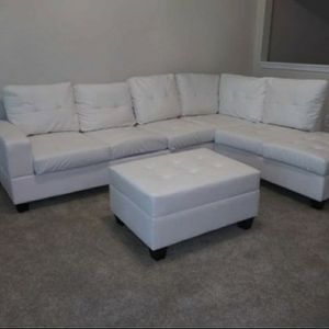 White Sectional with Storage Ottoman for Sale in Atlanta, GA