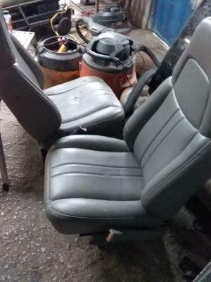 4 sale asientos Chevy express van delanteros97 a2016 for Sale in Dallas, TX