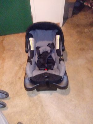Black infant car seat for Sale in Bexley, OH