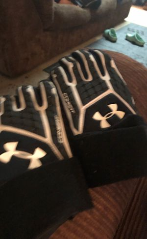 UA Combat 5 football gloves for Sale in Milpitas, CA