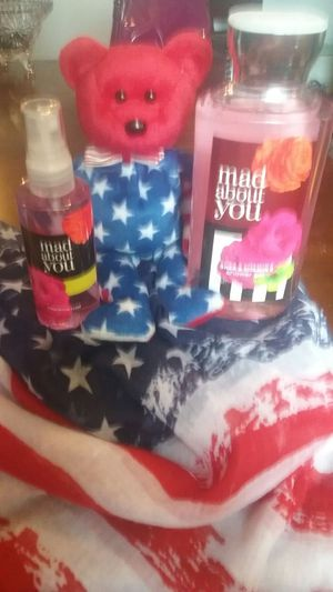 BBW bath set 10 ounce Shea and vitamin E shower gel mad about you and matching fragrance mist spray 3 ounce for Sale in Granite City, IL