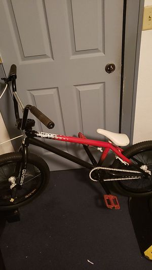 Custom Sunday and Eclat Bmx bike for Sale in Rock Island, IL
