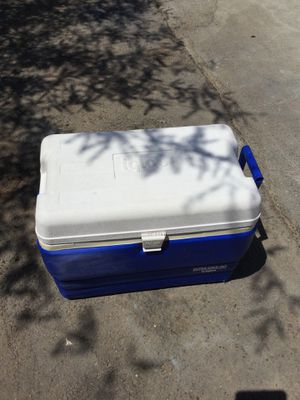 Cooler for Sale in Phoenix, AZ
