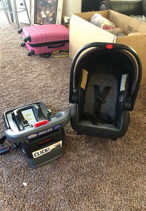 Graco snugride car seat for Sale in Las Vegas, NV