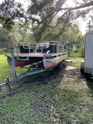 2000 weeres pontoon boat. (24ft) for Sale in Mulberry, FL