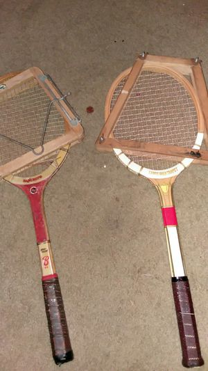 2 tennis racket for Sale in Cleveland, OH