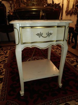Dixie Nightstand/End table (1) for Sale in Thornton, CO