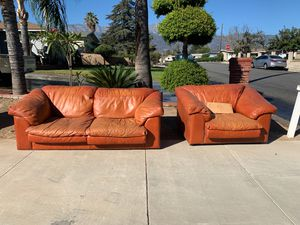 Free leather couches curbside pick up for Sale in Rancho Cucamonga, CA