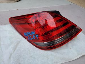 Toyota avalon 2005 2006 2007 left tail light lamp for Sale in Lawndale, CA