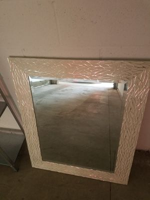 Wall decor mirror for Sale in Los Angeles, CA