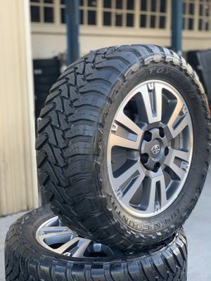 """🥵🥵20s TOYOTA TUNDRA/SEQUOIA BRAND NEW WHEELS WITH USED 33""""TOYO TIRES 🥵🥵 for Sale in Modesto, CA"""