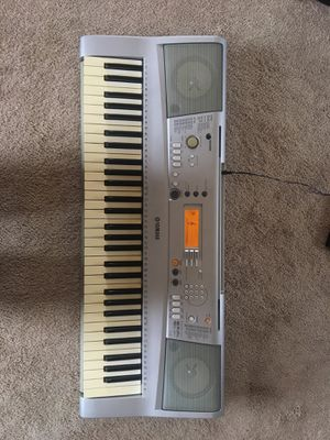 Yamaha YPT300 electric keyboard for Sale in Willards, MD