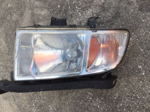 Headlight Honda Ridgeline 2007 to 2013 drive side for Sale in Orlando, FL