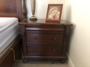 Bed Side Dresser for Sale in Glendale, AZ