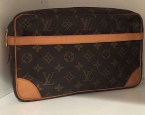 Authentic Louis Vuitton Compiegne Clutch for Sale in San Diego, CA