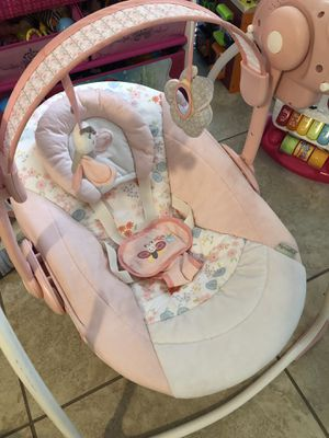 Baby Swing chair for Sale in Compton, CA