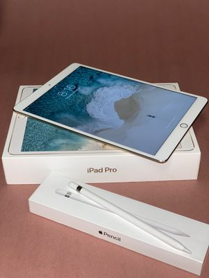 "Apple iPad Pro 10.5"" WiFi 64gb - Gold /w Apple Pencil + Logitech Case for Sale in Bolingbrook, IL"