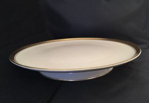 """Lenox 12"""" Footed Pedestal Cake Plate Gold Trim Thick Outer Gold Band Thin Inner 12"""" diameter, 2""""h good condition, lightly used, see photos for Sale in Schnecksville, PA"""