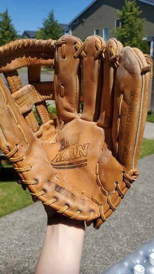 Regent Big Man Baseball Glove for Sale in Bothell, WA