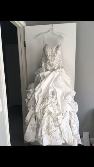 David's Bridal Soft White Satin Luxe Collection PWG3497 Formal Wedding Dress with a vintage look.. size 8 for Sale in Las Vegas, NV