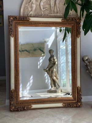 """Vintage 60""""x47""""Absolutely gorgeous and out standing mirror with lots of details. It's prefect for entryway for Sale in Laguna Niguel, CA"""