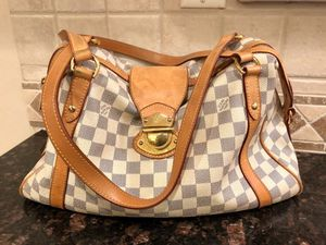 Authentic Louis Vuitton Stresa D1amier Azur Pm Creme and Navy Coated Canvas Vachetta Leather Shoulder bag for Sale in White Lake charter Township, MI