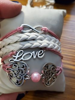 Pink N White Bracelet for Sale in Wenatchee,  WA