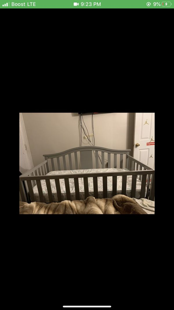 Baby Crib ( Blue Setting ) Everything Included