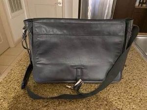 Kenneth Cole Men's Messenger Bag (negotiable) for Sale in MONTGOMRY VLG, MD