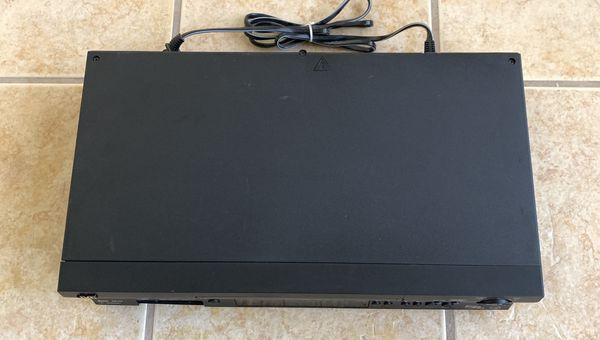 JVC HR-S5902U Super VHS VCR Player HiFi AV - No Remote Control - TESTED - WORKS!