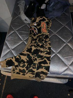Bape shark hoodie size M for Sale in Hamilton Township, NJ