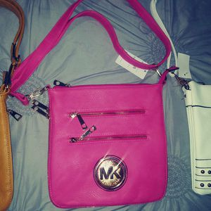 Micheal Kors Cross body Purses! for Sale in Prattville, AL