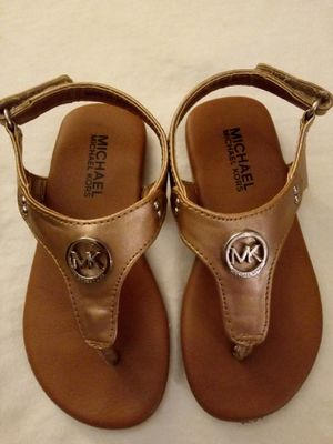 MICHAEL KORS SANDALS SIZE 7 KIDS for Sale in Escondido, CA