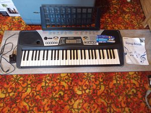 Yamaha keyboard PSR175 for Sale in Pine Grove, PA